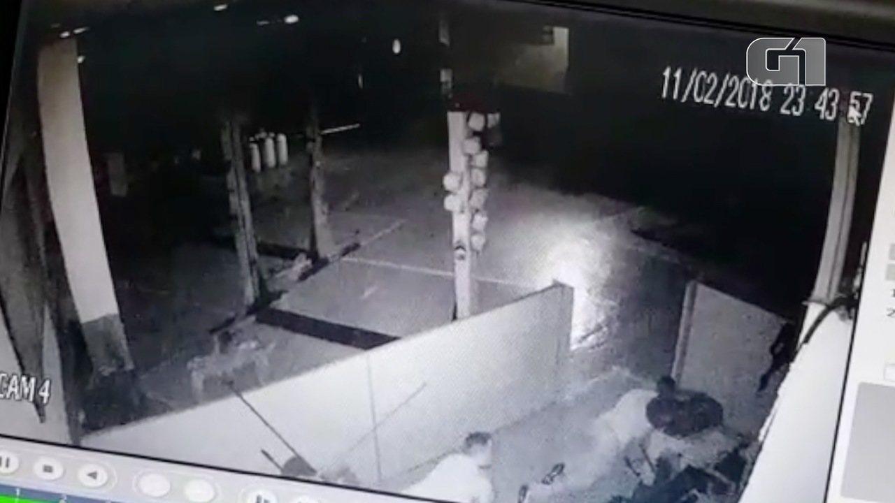 Criminosos roubam loja de pneus em São josé dos Campos