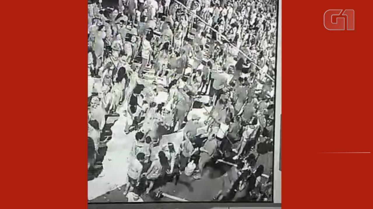 Vídeo de câmera de segurança mostra briga em Rosário do Sul, durante carnaval