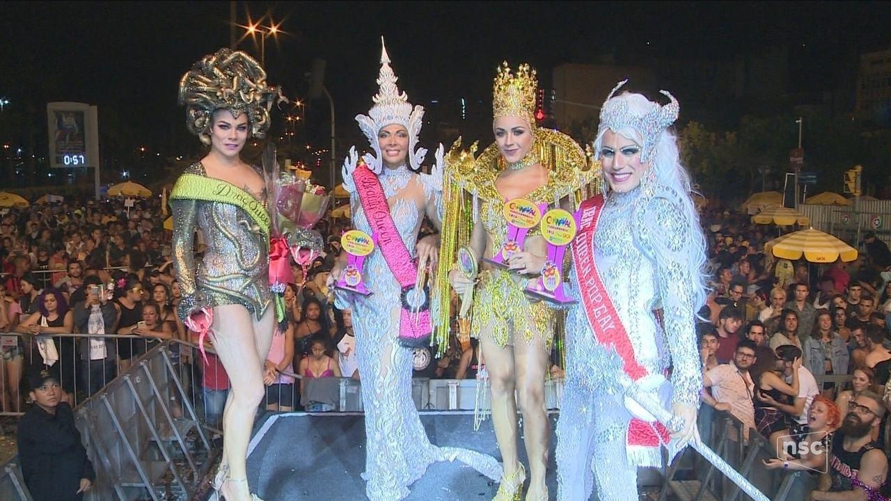 Pop Gay reúne milhares de pessoas em Florianópolis; Valesca Popozuda anima público