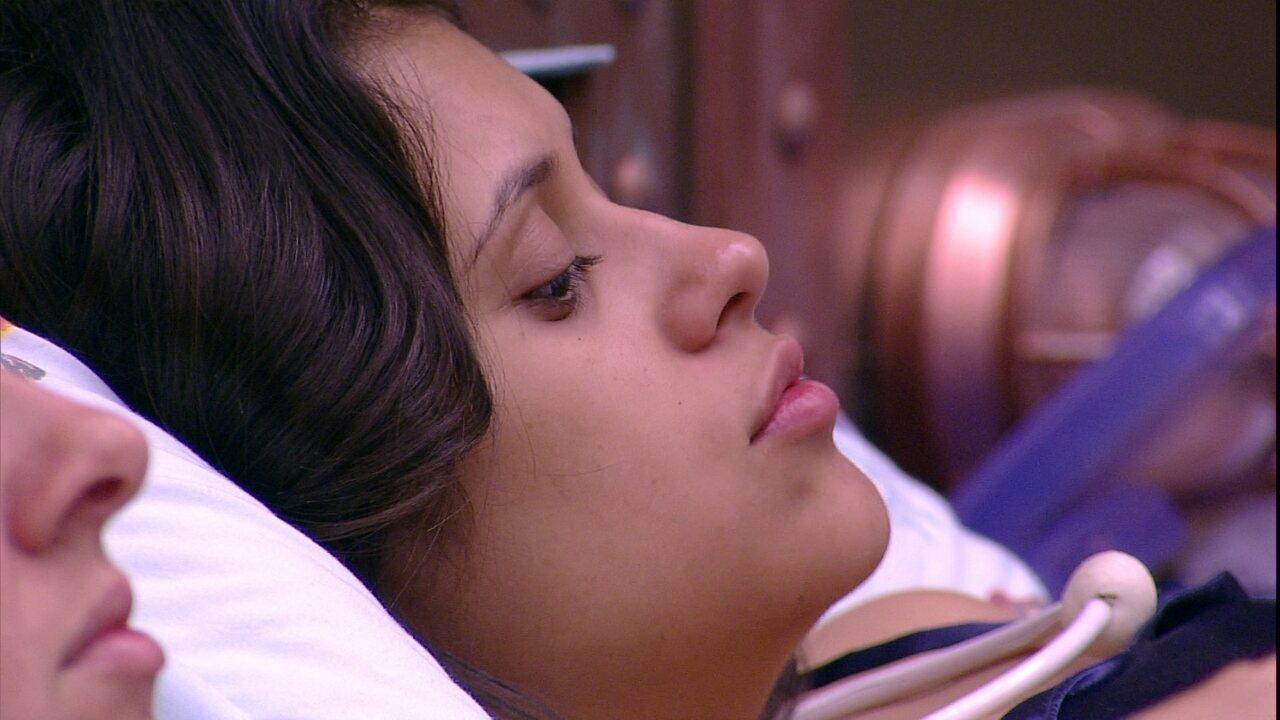 Ana Paula diz que não gosta de ser abraçada por Kaysar