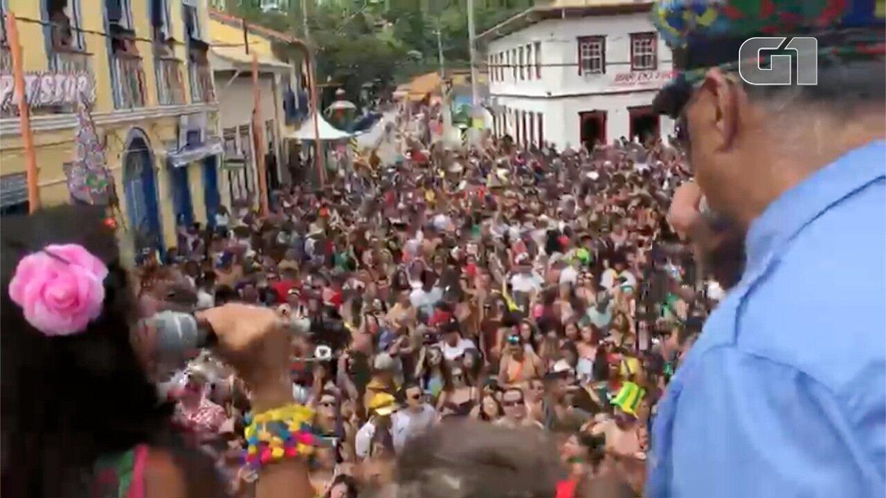 Bloco do Barbosa anima foliões em São Luiz do Paraitinga
