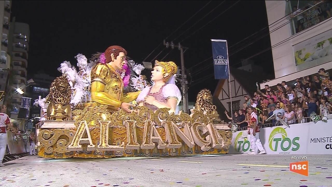 Escola de samba Aliança conquista título do carnaval de Joaçaba