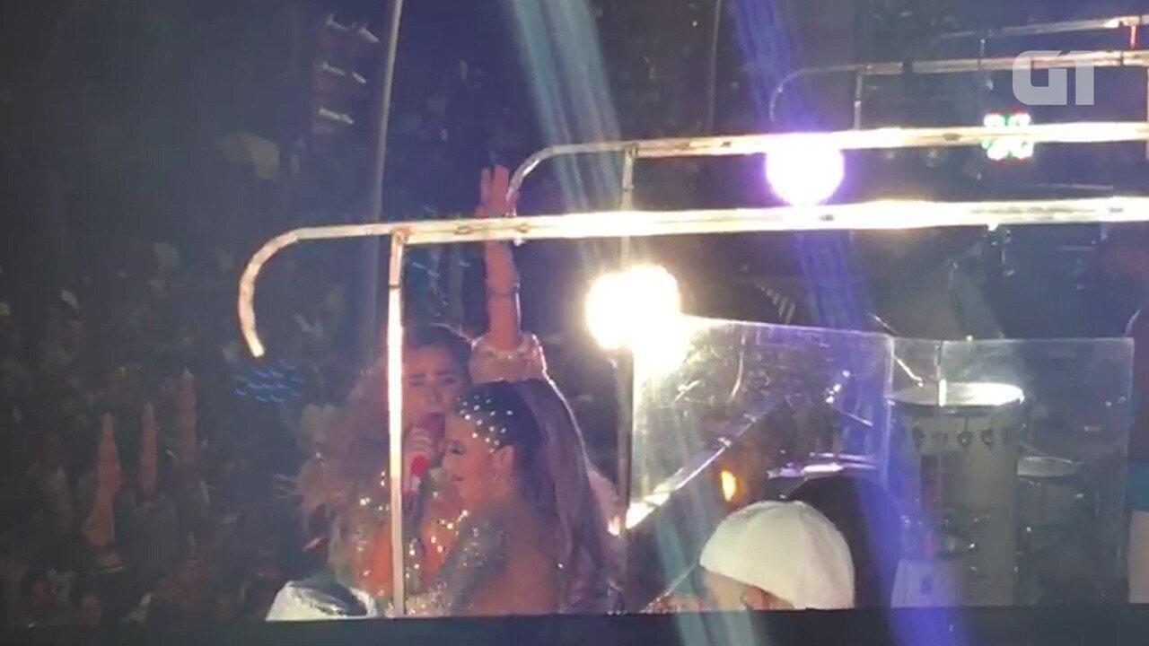 Claudia Leitte canta com Wanessa, Maiara e Maraísa no circuito Barra-Ondina