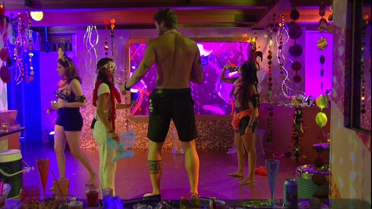 Breno se junta a Ana Clara, Paula e Gleici na Festa Samba