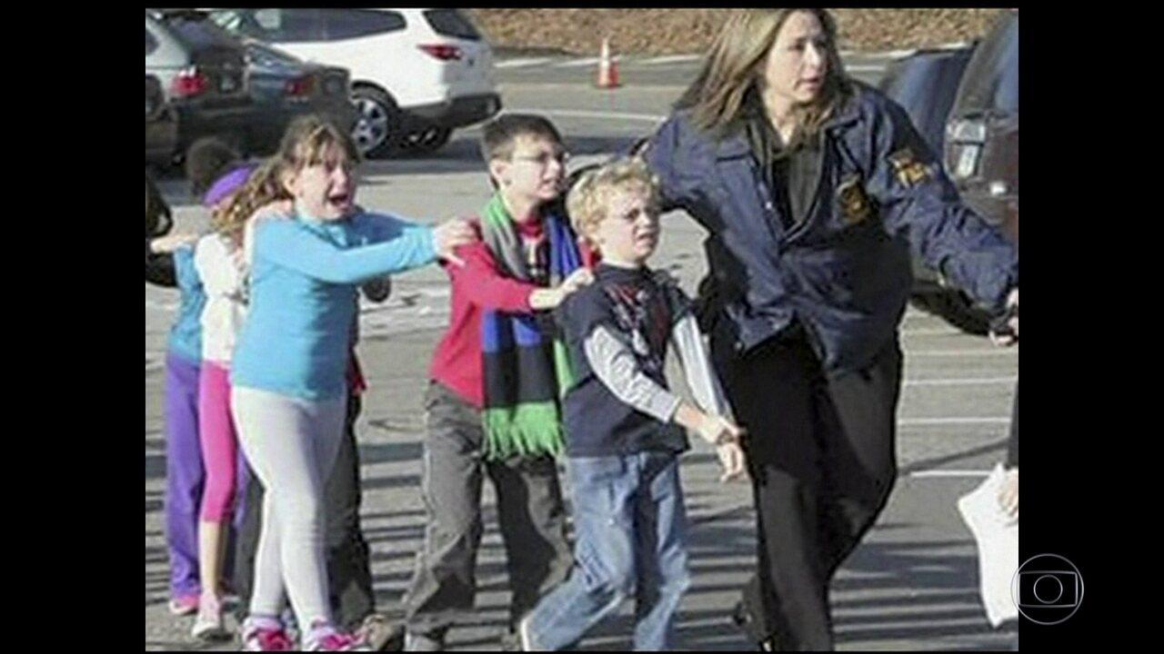 Massacre deixa 17 mortos em escola da Flórida