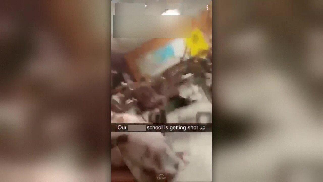 Estudantes gravam momento em que atirador abre fogo em escola na Flórida