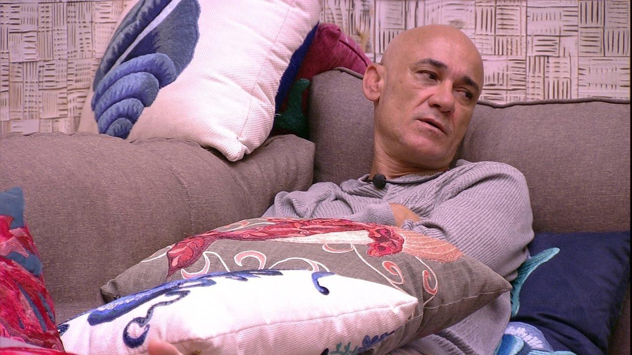 Ayrton avisa Mahmoud sobre Ana Clara: 'Vou sacudir e fazer levantar na marra'