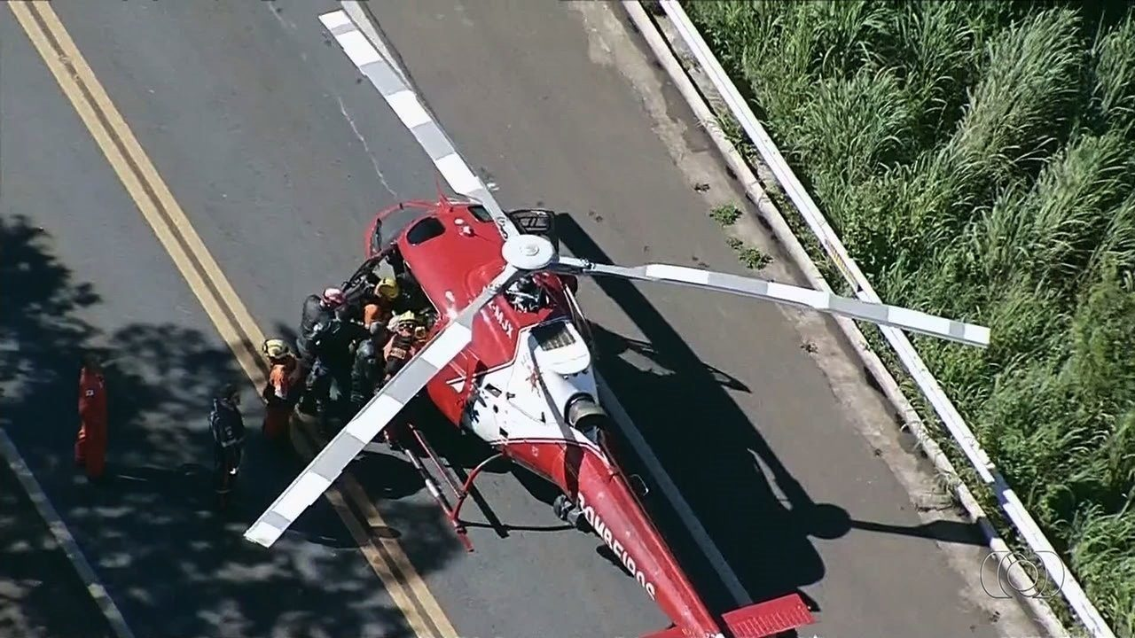 Acidente entre ônibus e carreta mobilizou helicópteros e fechou pista em Goiás