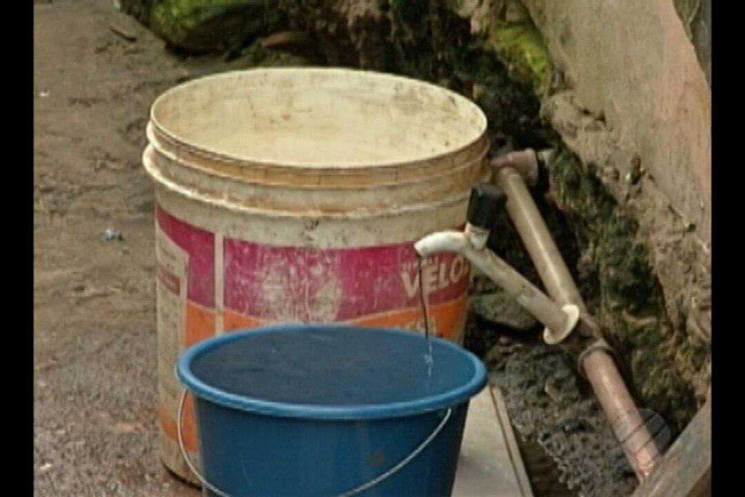 Moradores do conjunto Cohab estão há seis dias sem água