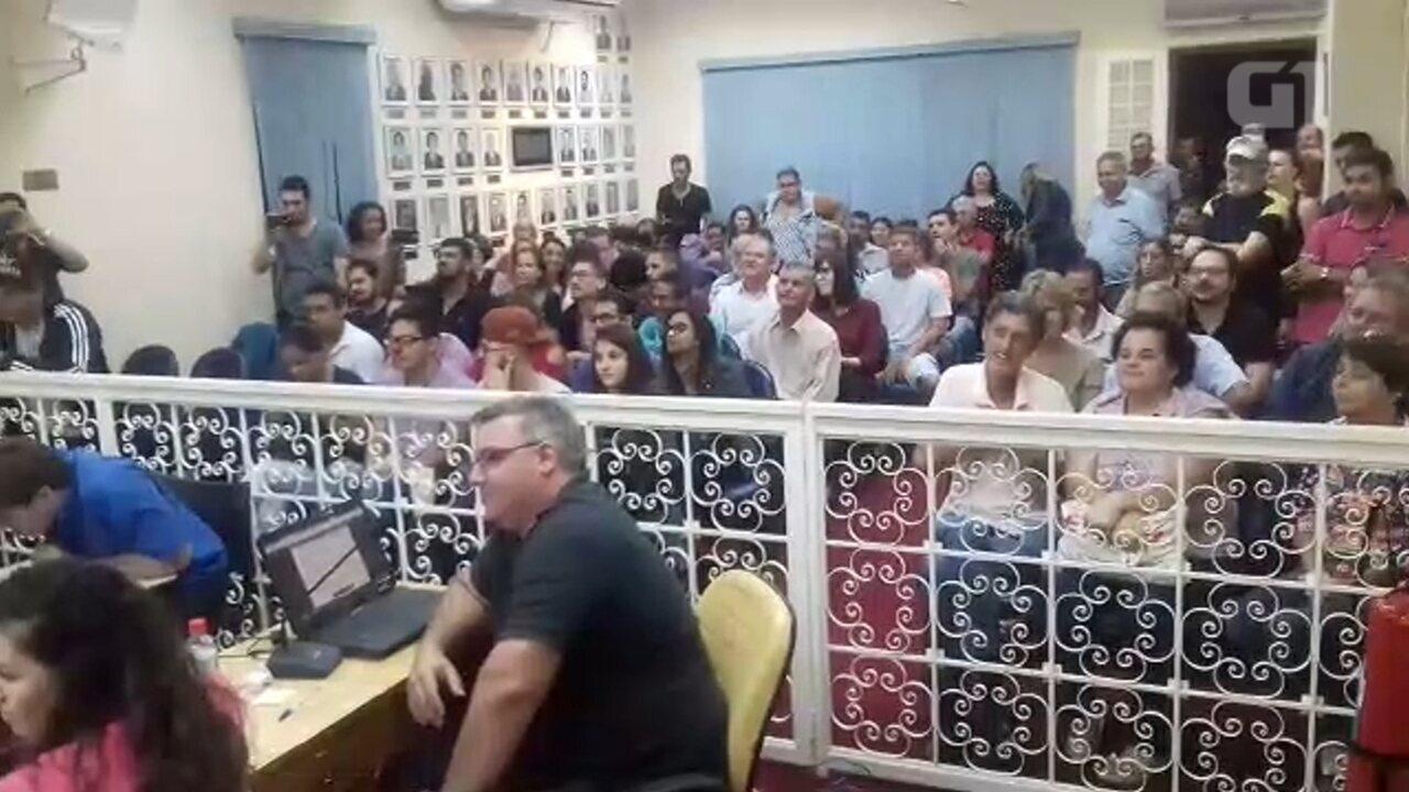 Câmara de Ibitinga aprova fixação de salários de vereadores, prefeito e vice
