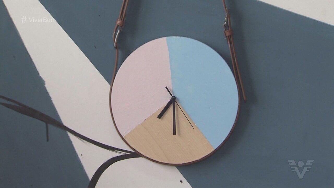 Aprenda a fazer um lindo relógio para sua casa!