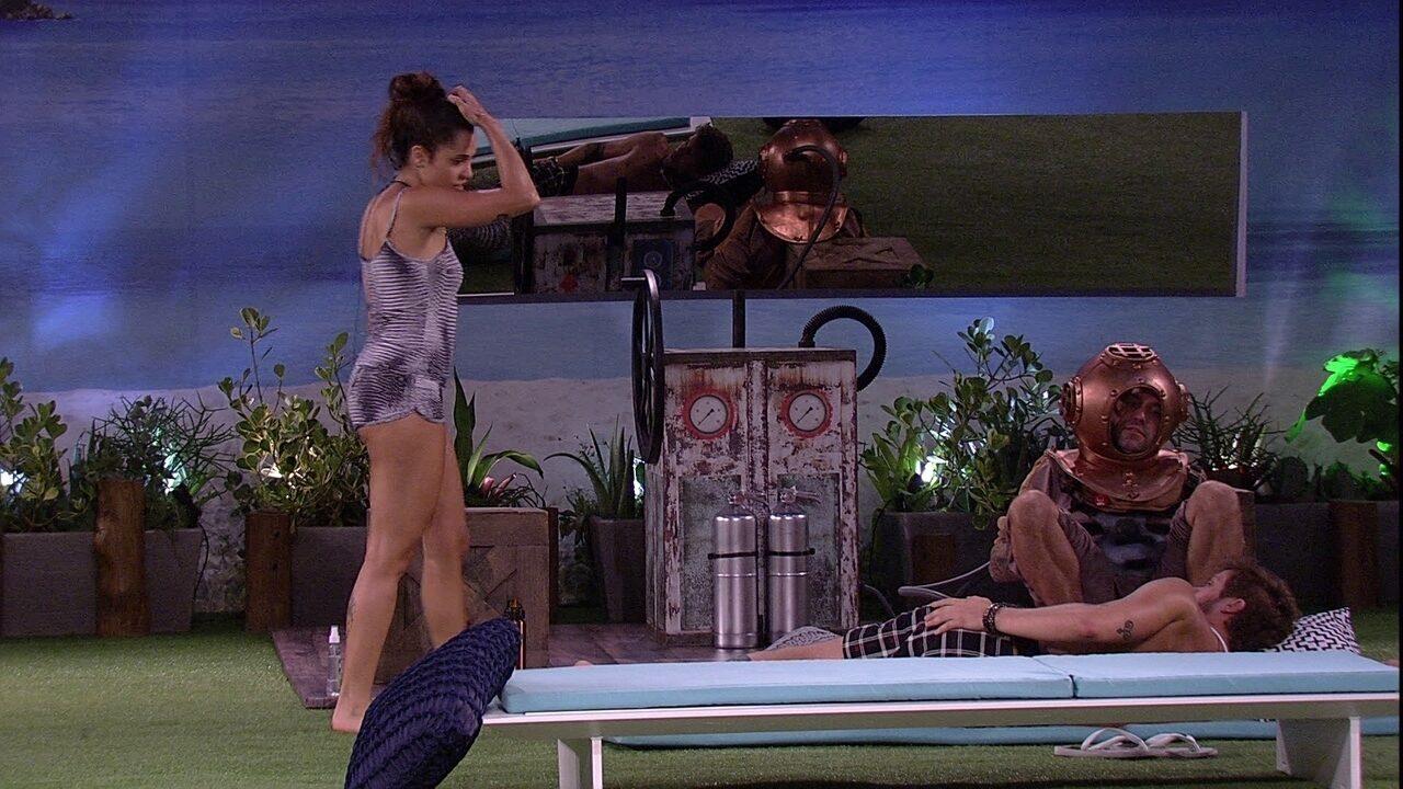 Paula brinca com Breno: 'Teve o prazer de dormir comigo ontem'