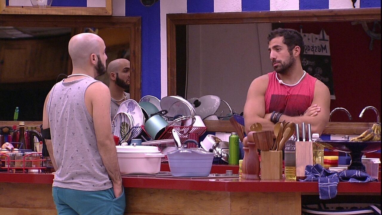 Mahmoud fala sobre Paredão com Kaysar: 'Você está tranquilo'