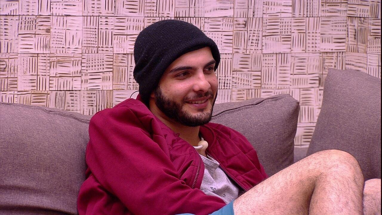 Mahmoud sobre não ter dormido: 'Foi divertidíssima a madrugada'