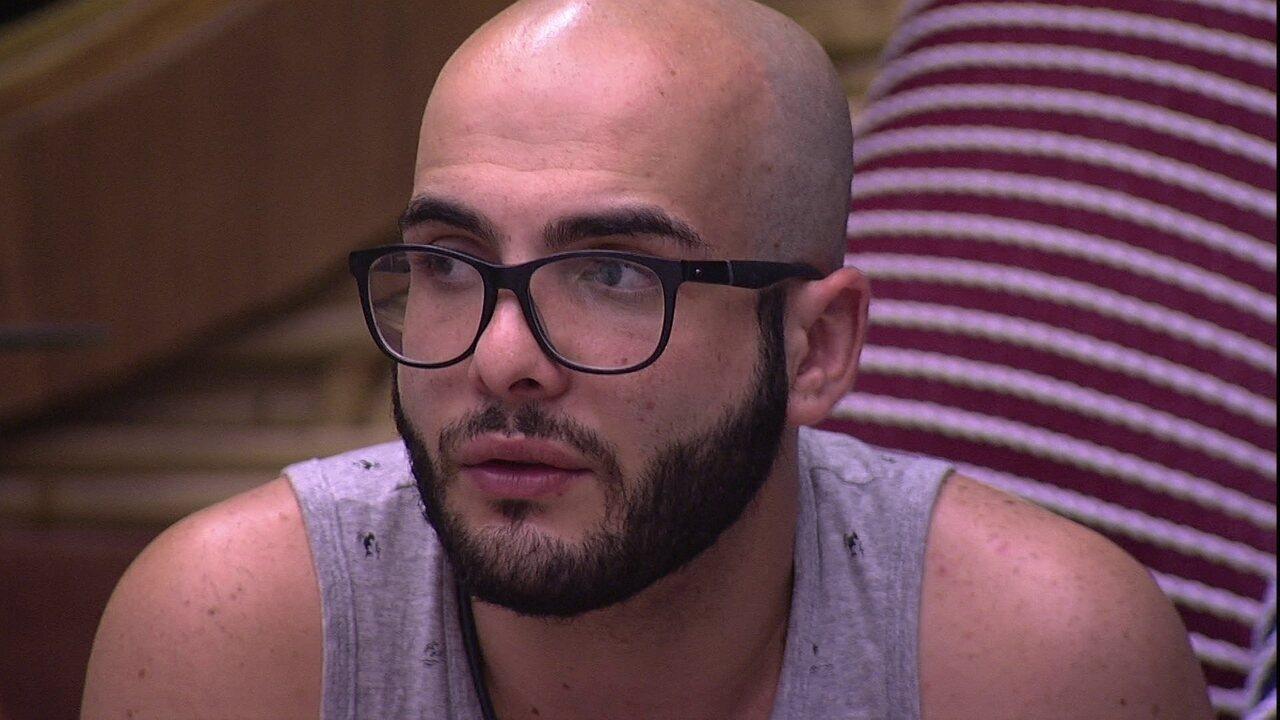 Mahmoud opina sobre Paredão: 'Está entre Diego, Lucas, Caruso e Jéssica'