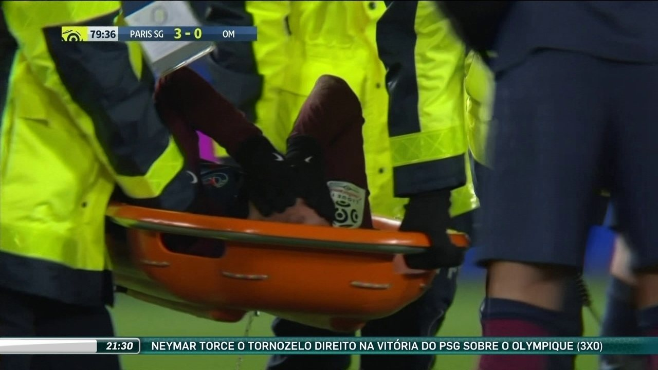 Neymar faz ultrassonografia, e médicos afirmam que não existe fratura e fará novos exames