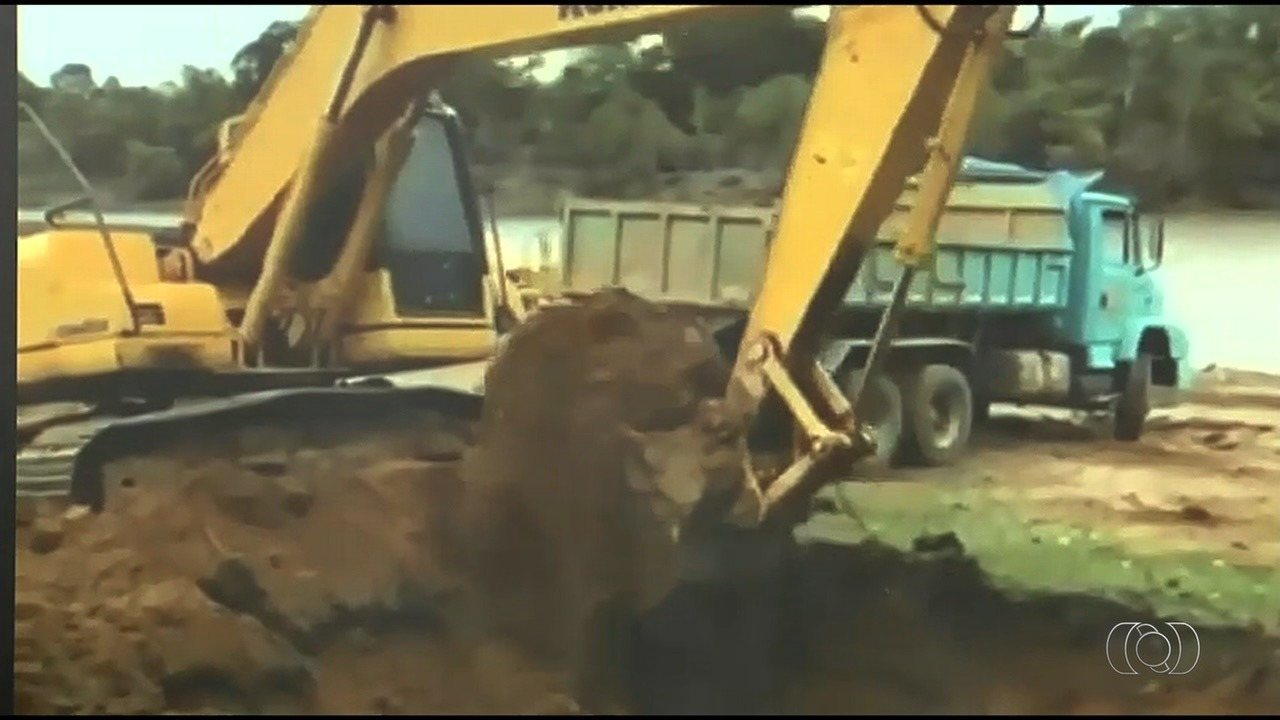 Polícia indicia Gusttavo Lima e mais 3 por obra em represa de fazenda sem licença