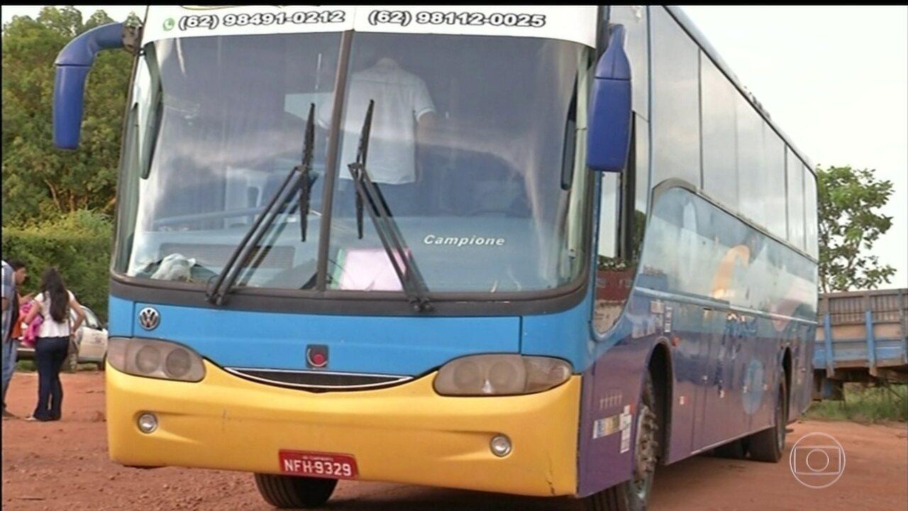 Em Goiás, Polícia Rodoviária flagra ônibus universitários em péssimas condições