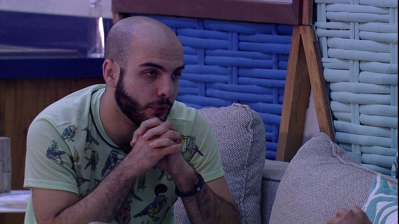 Mahmoud conta sobre seu começo de carreira para Viegas