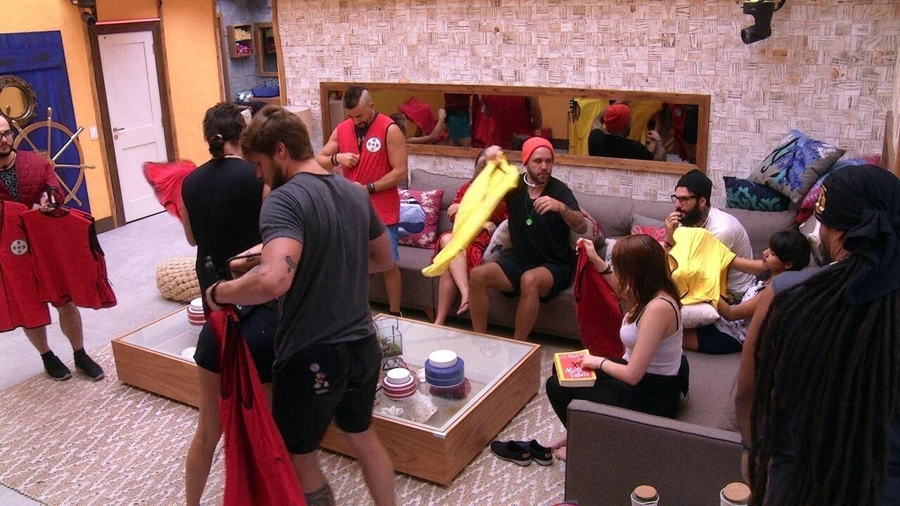 Brothers se dividem e vestem os coletes para a Prova da Comida