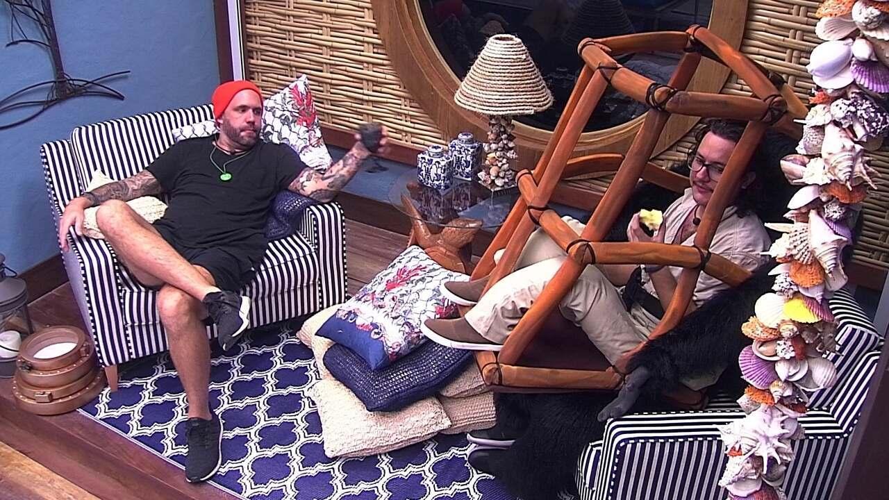 Patrícia, Diego e Caruso especulam votação e publicitário afirma que vai votar em Mahmoud