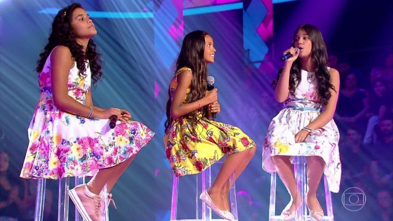 Na fase das Batalhas, Izabela Góis, Letícia Alves e Rebeca Marques cantam 'Amei te Ver'