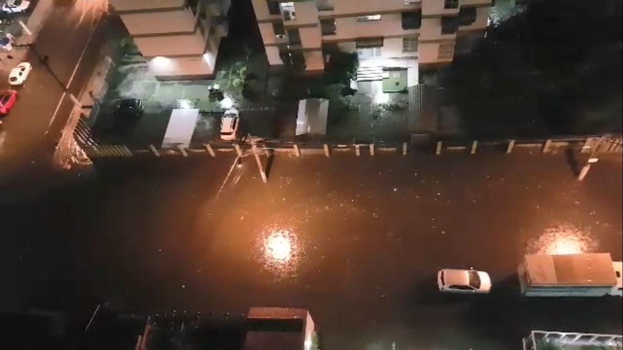 Alagamento na Avenida Jair de Andrade, em Itapoã, Vila Velha