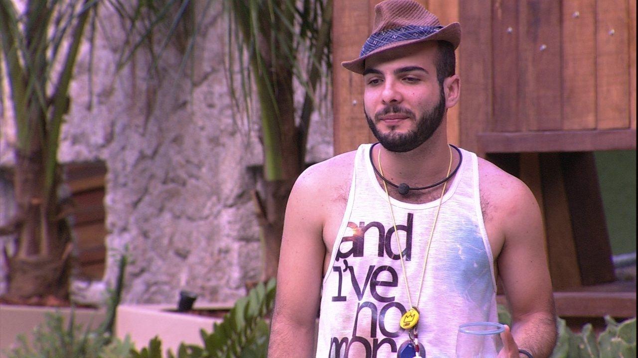 Mahmoud chama Kaysar de 'brimo'