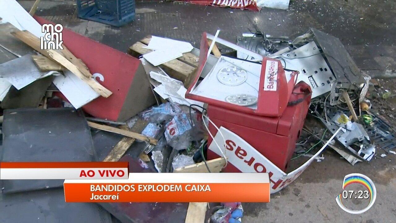 Criminosos explodem caixa eletrônico em mercadinho no São Gabriel em Jacareí