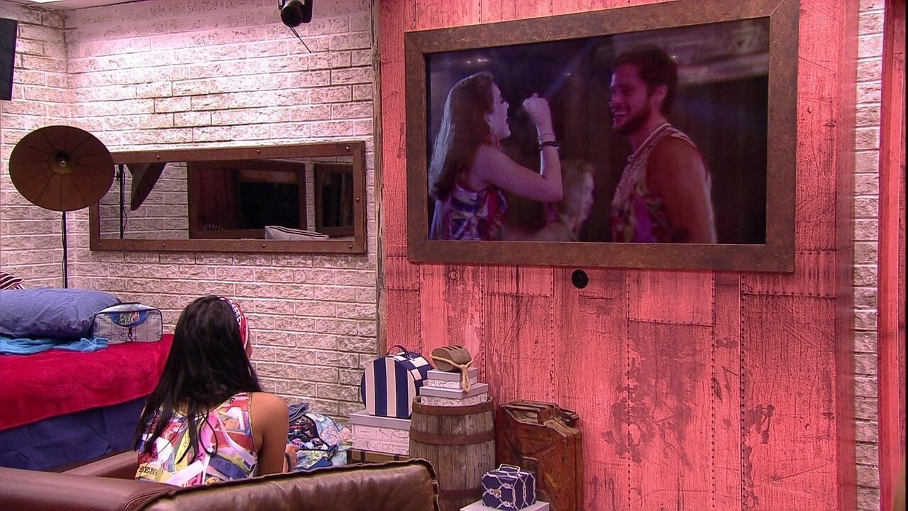 Sozinha no Quarto Farol, Gleici fica atenta no papo de Ana Clara e Breno