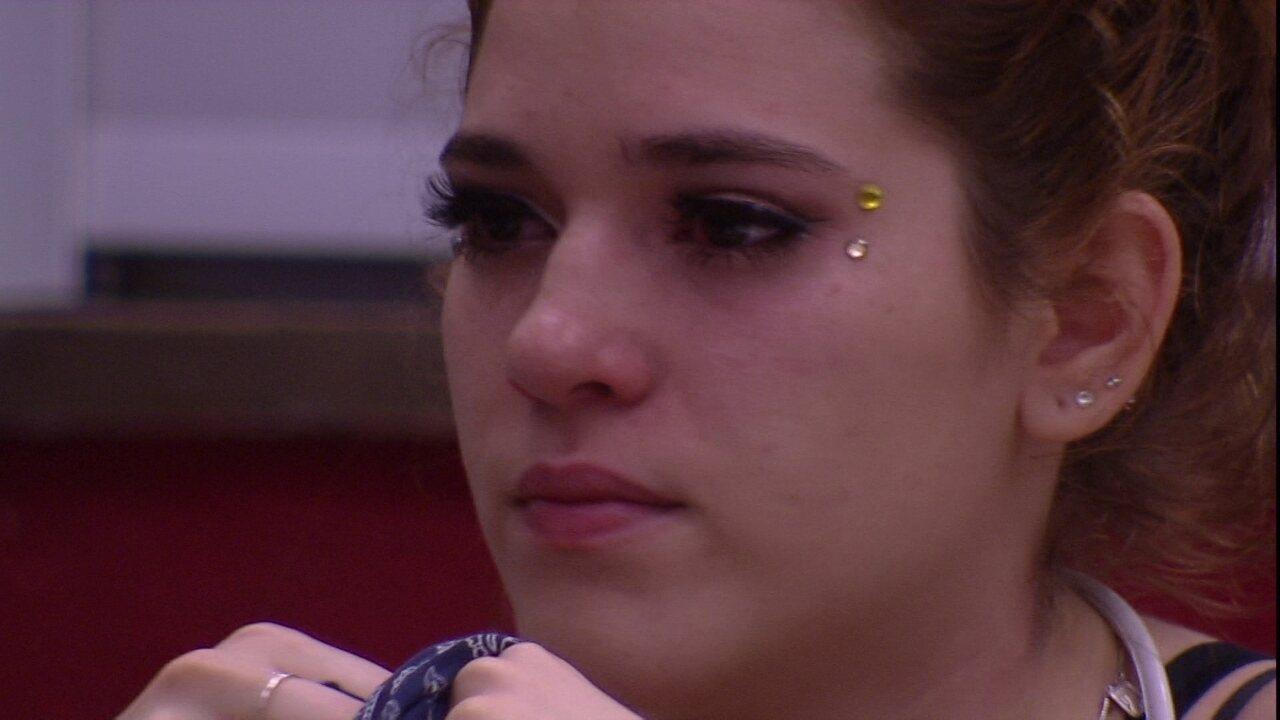 Ana Clara reclama com Paula: 'Você foi absurdamente grossa comigo'