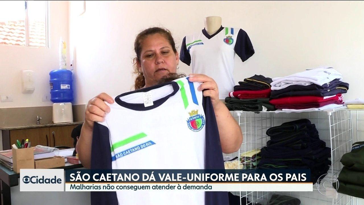 Prefeitura de São Caetano do Sul dá R  200 para pais comprarem uniformes e277a21b07240