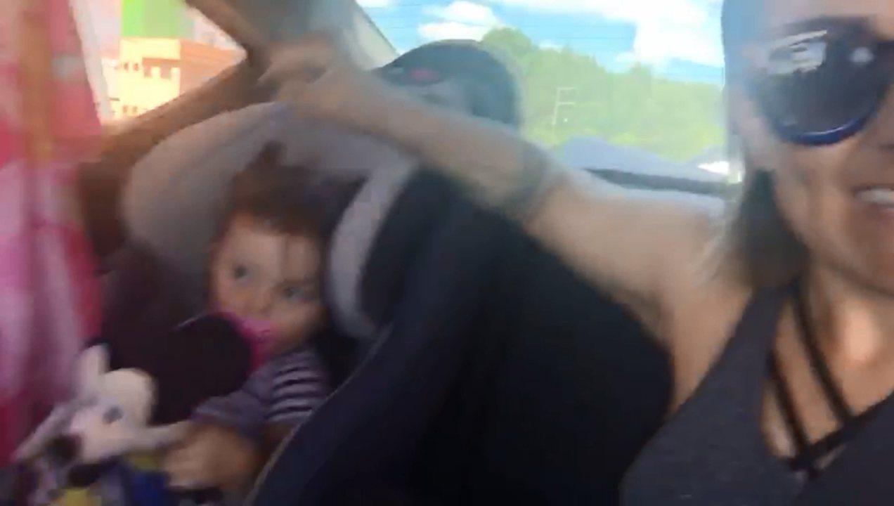 Day Lima gravou um vídeo com sua pequena Marina