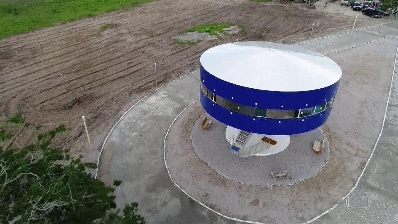 Resultado de imagem para No interior do RN, uma visão: disco voador? Não, uma casa futurista