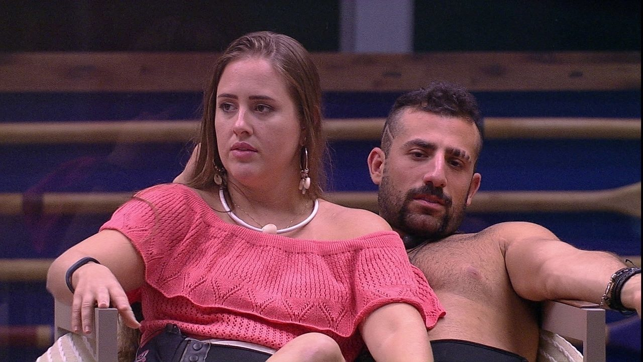 Patrícia critica Gleici: 'Voltou nessa soberba porque está se achando forte'