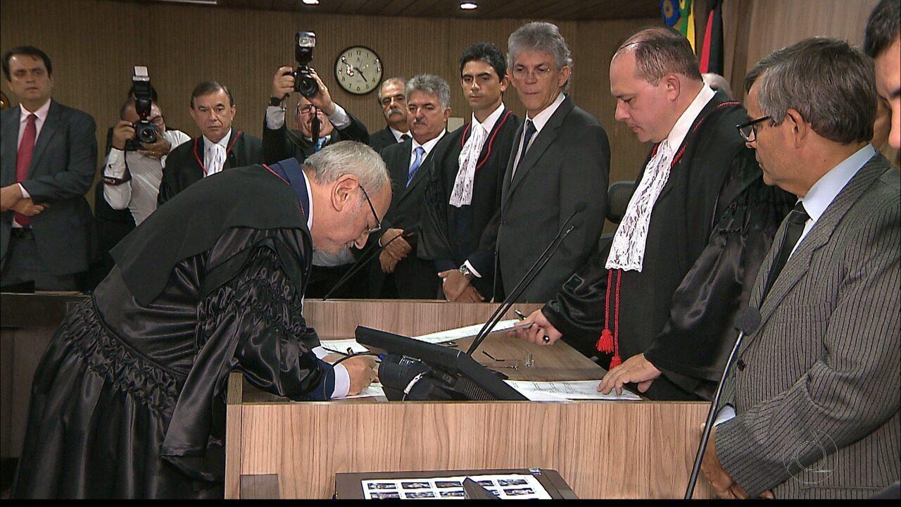 Nova mesa diretora do TRE da Paraíba toma posse