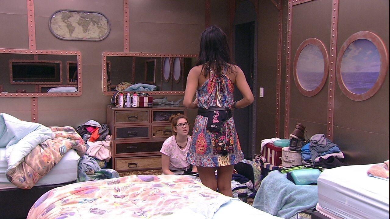Ana Clara comenta: 'Agora é sério, não tenho mais roupa para usar'