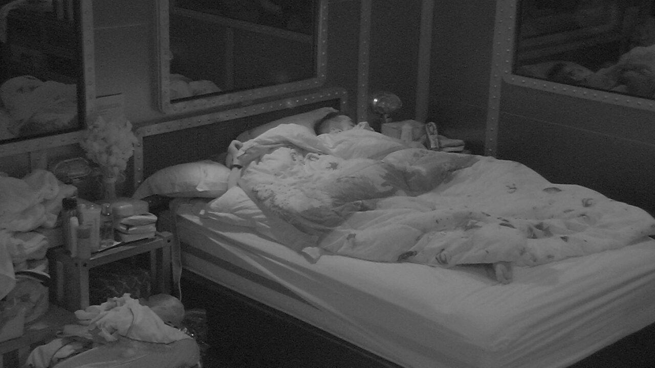 Confinados dormem em noite que antecede Eliminação
