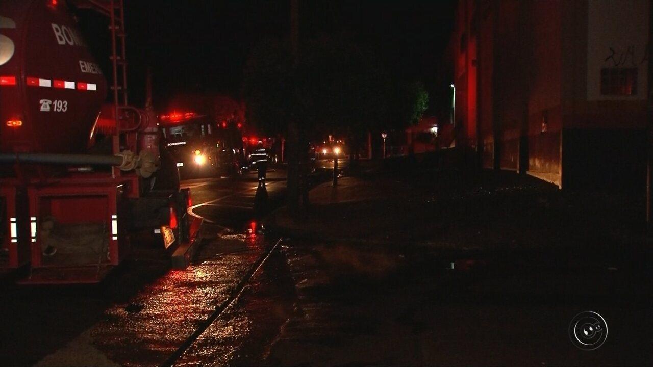 Incêndio destrói lojas de autopeças em Rio Preto