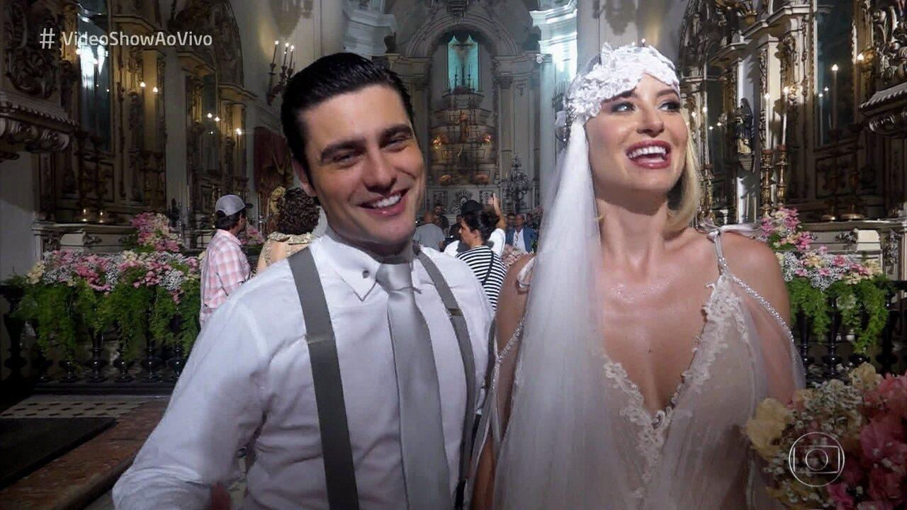 Barbara França e Guilherme Leicam mostram bastidores do casamento de seus personagens