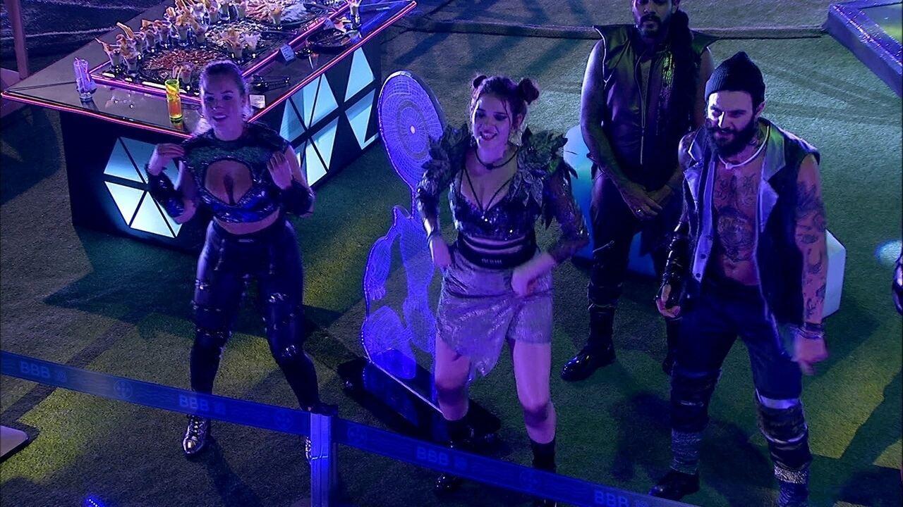 Brothers pedem bis e Anitta canta 'Show das Poderosas'