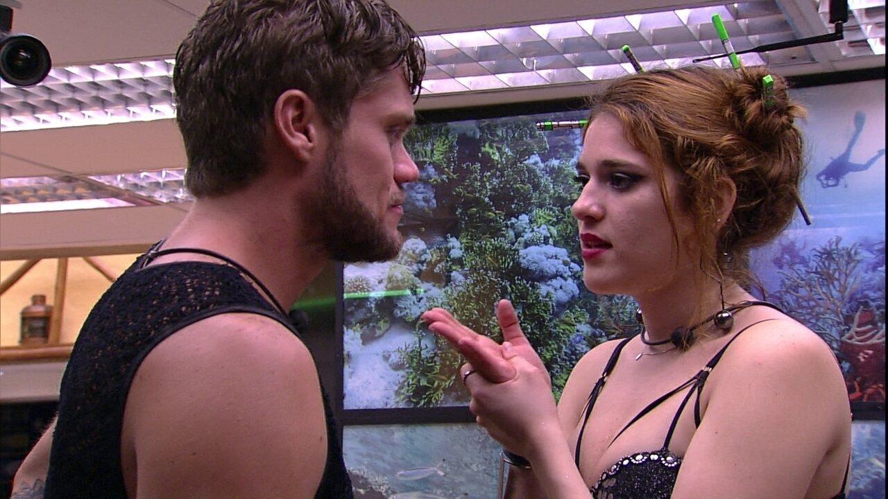 Ana Clara afirma para Breno: 'Quero que você entenda que eu não sou um robô'