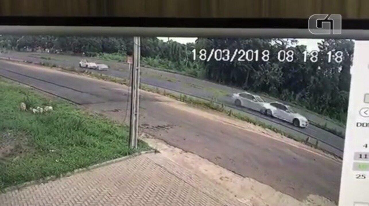 Acidente entre carros de luxo deixa dois mortos no Piauí