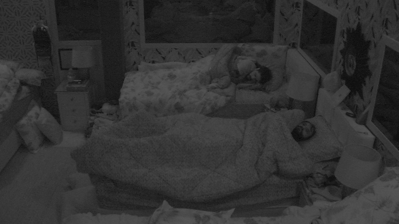 Wagner fica inquieto na cama