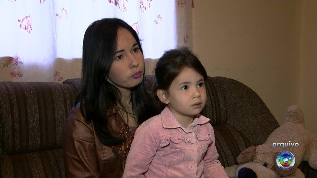 Justiça recebe denúncia do MP contra pais da menina Emanuelly