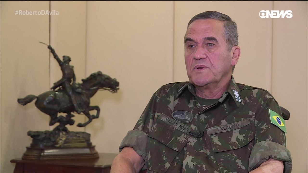 Programa Roberto D'Ávila: Eduardo Villas Bôas comanda 215 mil homens do Exército