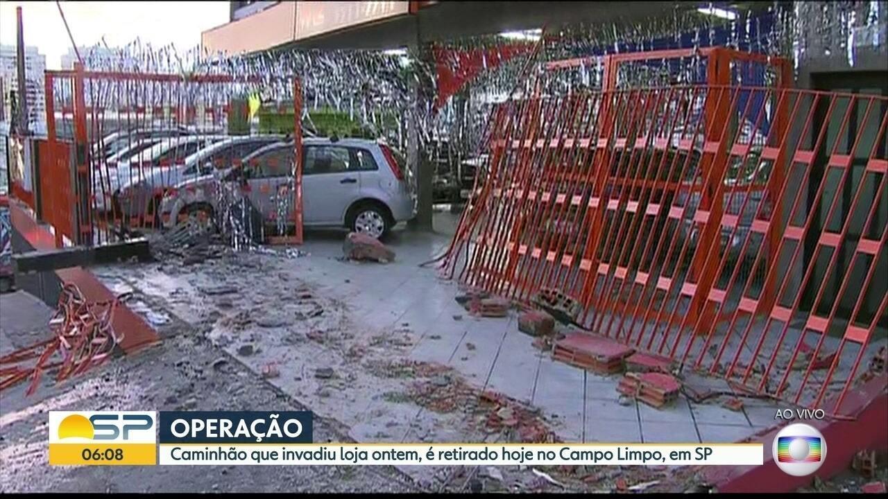 Armario Para Cozinha Pequena ~ Bom Dia SP Caminh u00e3o que invadiu loja de automóveisé retirado na zona sul da Capital Globoplay