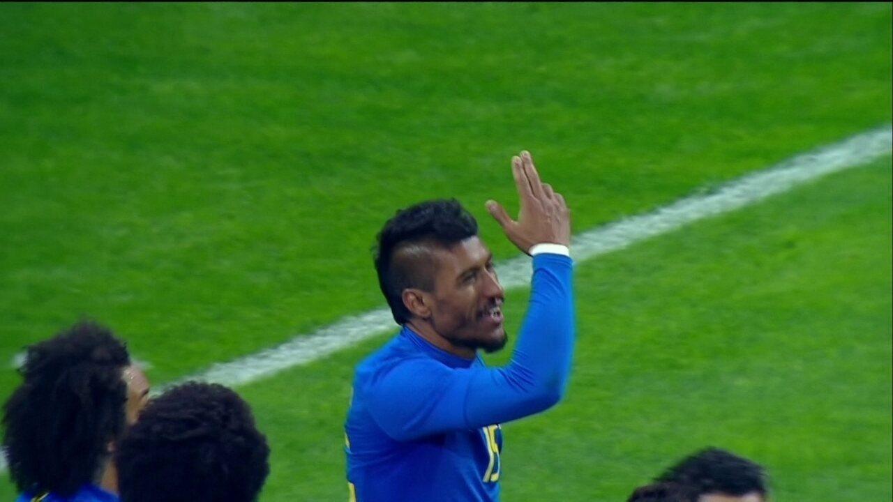 761e72ecc3 Gol do Brasil! William cruza e Paulinho marca o terceiro