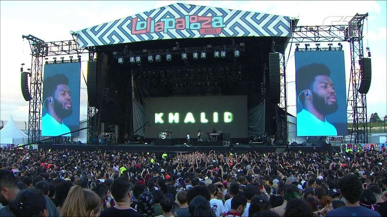 "Khalid canta ""Silence"" no palco Ônix, no 3º dia de Lollapalooza"