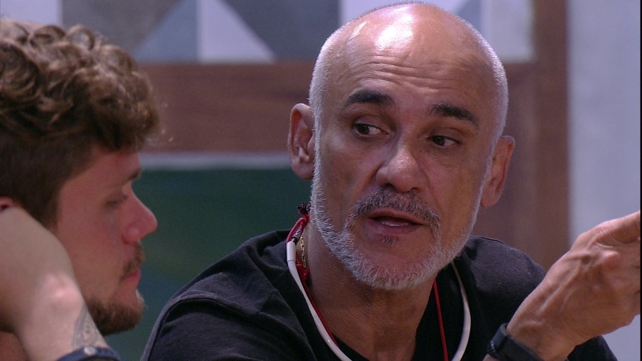 Ayrton fala para Breno: 'Vamos buscar agora o Viegas'